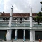 Moscheen gibt es auch. (Christliche Kirchen übrigens auch, aber die habe ich irgendwie nicht fotografiert.)